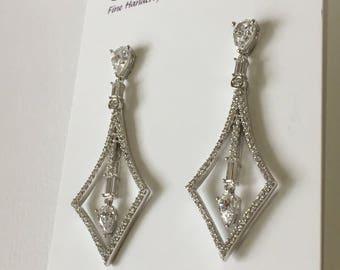 Art Deco Earrings, CZ Bridal Earrings, Chandelier Wedding Earrings, Wedding Jewelry, Vintage Inspired Jewelry, Diamond Earring Look