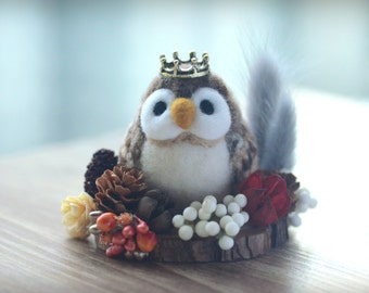 Needle felted owl ornament, mini woodland theme bird home decor, owl prince miniature doll, needle felted animal, gift under 25