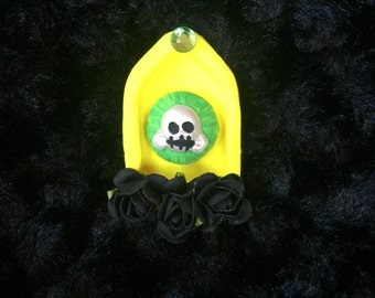 Yellow and green sugar skull Shrine Magnet