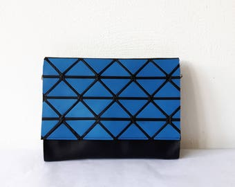 Little bag in black and blue