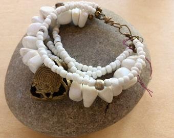 African bracelet, White  bracelet. Ethnic bracelets, Gift for women,  beaded bracelet, gift for her, Tribal jewelry, White beaded bracelet