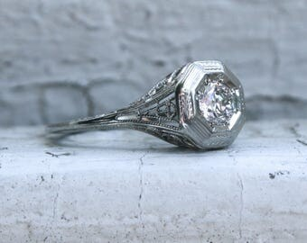 Vintage Filigree 18K White Gold Solitaire Diamond Engagement Ring - 0.40ct.