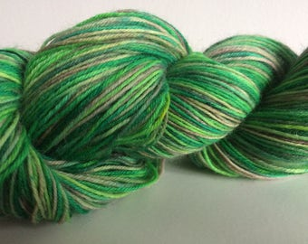"""Hand Dyed 4ply Sock Yarn """"Eat Your Greens"""" 100g 420m 75/25"""