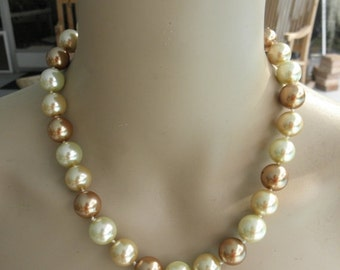 """Vintage Large Knotted Tri ColorPearl Necklace, 1970's, 13.7mm """" Vintage Large, Graduated"""