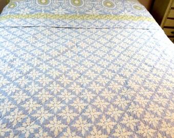 "COMFORTER ... A Vintage reversible Queen Comforter Quilt Blue & White Snowflake designs 88 x 92"""