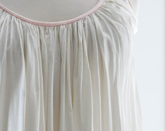 Silk Lingerie. // SM MED // Pleated Accordion, Full Sweep, White, Pink Trim. // 0s 60s, Vintage clothing, Bridal Night Gown