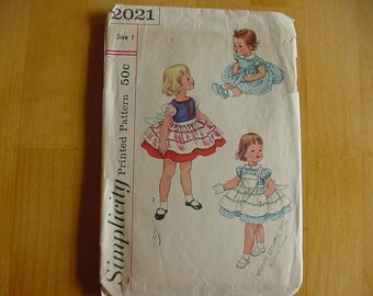 Vintage 1950's Simplicity Pattern 2021, Toddler One Piece Dress,Gathered Skirt with 2 Aprons, Toddler Size 1