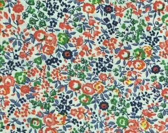 Red Floral Fabric / Floral Fabric / Quilting Fabric / Vintage Floral Fabric / Retro Fabric / Light Weight Fabric