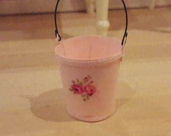 Pink garden bucket to your dollhouse