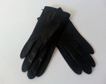 Vintage Ladies Black Leather KIDSKIN Gloves