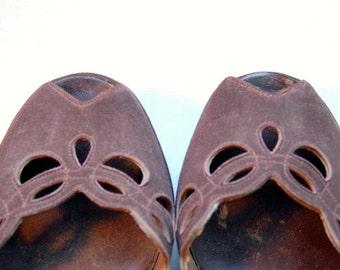 1940's brown suede peep toe platforms