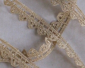 "1 Yard Antique Golden Tan Cotton Lace Trim - Zig Zag Edge - 1/2"" Wide - NOS Vintage Supplies - Sewing, Crafting, Wedding"