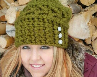 Womens Crocheted  Slouchy  Hat/Faux Fur Pompom