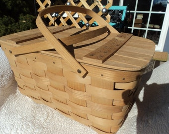 Picnic basket, handmade by Basketville , in Putney Vermont