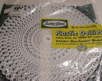 Lustro - Ware Mid Century NOS Plastic 10 Inch Doilies 4 Packages 4 in a Package
