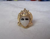 Beautiful Ring -Carved Face Lady- R542-Size 6.75