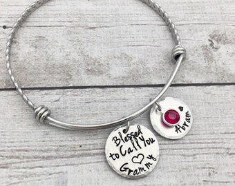 Grandma Bracelet - Mother's Day Gift - Expandable Wire Bangle - Grandmother Bracelet - Grammy Bracelet - Personalized Bracelet