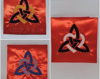 RTS Red Handmade Altar Cloth Triquetra – the Trinity Knot  wiccan celtic wicca pagan  ritual ready to ship