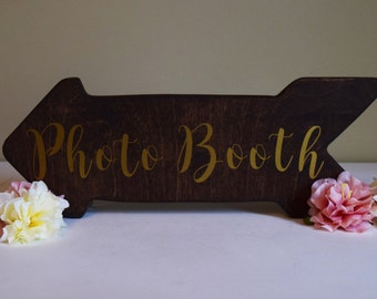 Wedding Photo Booth Directional Arrow Sign- Rustic Woodland Wedding Sign- Wood Wedding Arrow- Wedding Wood Sign- Photo Booth Sign