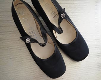 Vintage Black Dolly Shoes - with Diamante  detail - UK Size 4.5