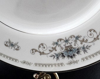Set of 4 Dinner Plates, Wade China, Fine Porcelain China Diane, Japan China, Blue Flowers, Tan Baskets, Scroll Design, Silver Platinum Trim