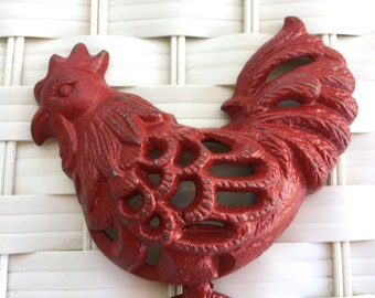 Red Rooster Wall Hook / Cast Iron Hook Jewelry Hanger / Farmhouse Kitchen / French Country Kitchen