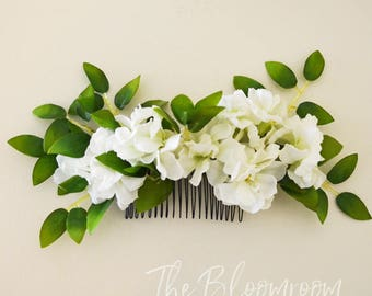 Lush flower comb / White stock flower / Green White flower comb / Comb / Flower comb / Bridal flower comb / Silk flower hair comb