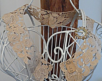Vintage Lace Collar ~.~ Jewelry Display Piece w/ original 25 cent tag