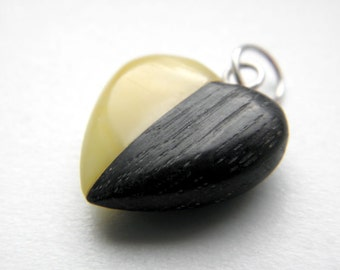 SALE 20% OFF!!! Use the coupon code: SALE20 Black oak baltic amber heart pendant