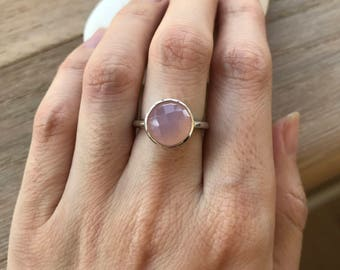 Stackable Pink Gemstone Ring- Classic Simple Pink Ring- Pink Chalcedony Ring- Solitaire Pink Quartz Ring- Round Rose Quartz Ring