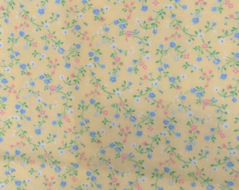 """Vintage Fabric Yellow with Blue and Pink Flowers Cotton 43 """" by 23 """" Retro Craft # tb3"""