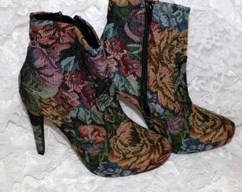Diba Tapestry Ankle Boot - Size 7 - Excellent Condition - Stiletto Heel
