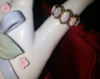 Price reduced Beautiful Vintage 5 Stone Opal Gold Ring