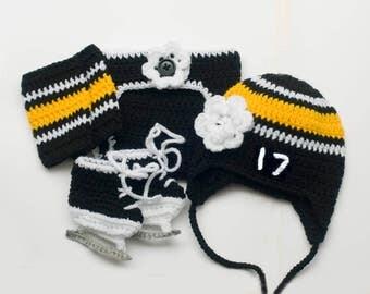 BABY GIRL HOCKEY Outfit, Black Gold Hockey, Newborn Hockey Girl, Baby Hockey Outfit, Hockey Baby Knit Girl, Hockey Baby Gift, Photo Prop