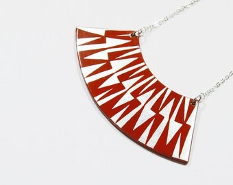 ZIG ZAG Necklace squirrel