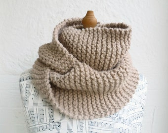 Women Wool Alpaca Cowl - Women Hand Knit Scarf Cowl - Super Chunky Cowl - Circle Scarf - Hand Knitted Beige Infinity Scarf - ClickClackKnits