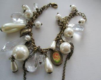 Vintage bracelet with artificial crystals, plastic pearl bracelet, bracelet with heart, bracelet with secretary, plastic crystals bracelet