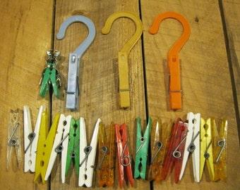 Plastic Clothes Pins-19 Clothes Pins-Vintage Clothes Pins-Laundry Pins-Retro Housewares-Spring Clothes Pins-order#21