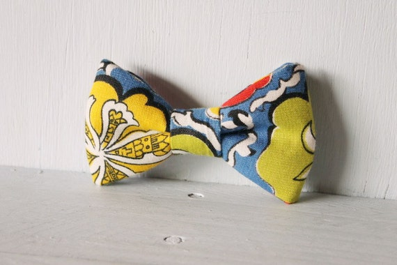 Dog bow tie >> Retro floral bow with elastic >> Pet gift