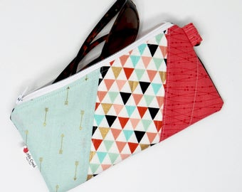 sunglass case in trendy triangles cotton fabric, Metallic gold, mint and melon small zipper pouch fully lined, padded and lightly quilted