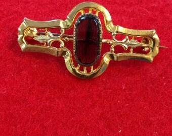25% OFF ENTIRE STORE Vintage Victorian Brooch Purple Glass Stone Original C Clasp Gold Tone