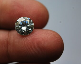 1.5 Carats, Super-FINEST,Moissanite Diamond,Clear Round 7.60mm