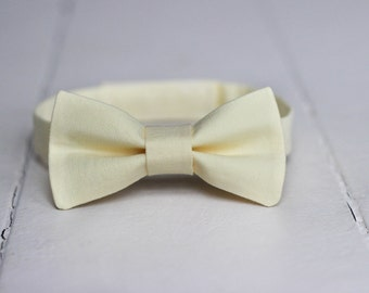 Mens Yellow bow tie, Mens Pale Yellow bow tie, Mens Light Yellow bow tie, Mens Easter Bow tie, Yellow Wedding, Mens bow tie, Spring Bow Tie
