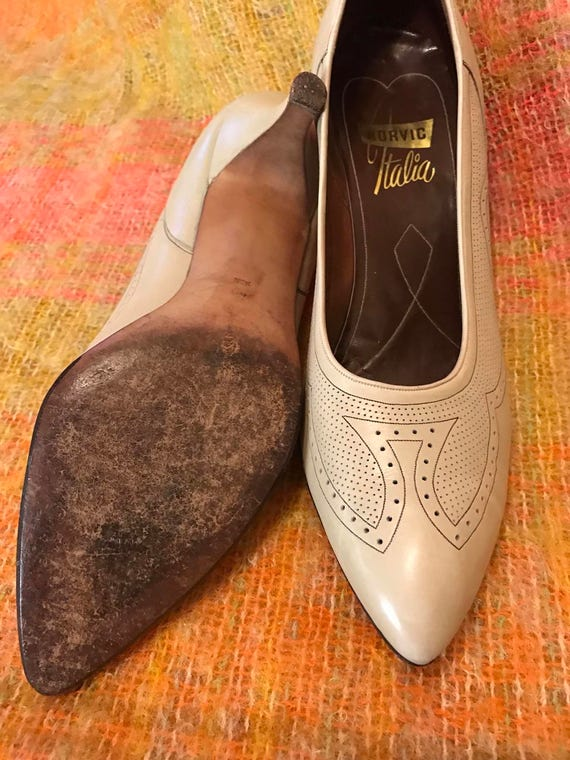 1950s shoes 1950s pumps 50s stiletto heels brogue punched all leather nude pin up Monroe pointy Rockabilly UK 4.5 EU 37 US 6.5 beige