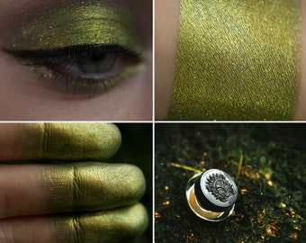 Eyeshadow: Creeping after Swamp Lights - Mountain Thorp. Golden marsh eyeshadow by SIGIL inspired.