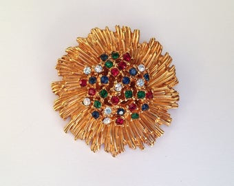Vintage Carven GoldTone Flower Brooch With Glass Stone Centres and Original Box.