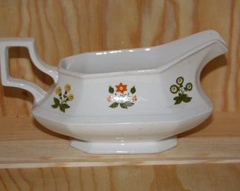 Johnson Brothers ironstone 1970's Posie Pattern, Heritage Series Gravy Boat