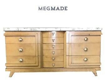 Customizable Bassett Dresser   1022-02620