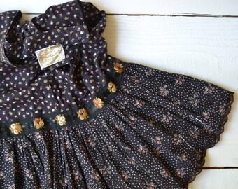 On the Road Skirt / 1970s dark floral skirt / vintage Gunne Sax skirt