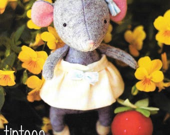 Pattern ''Tiptoes'' Mouse Stuffed Toy, Fabric Soft Sculpture Sewing Pattern by May Blossom (MB066)